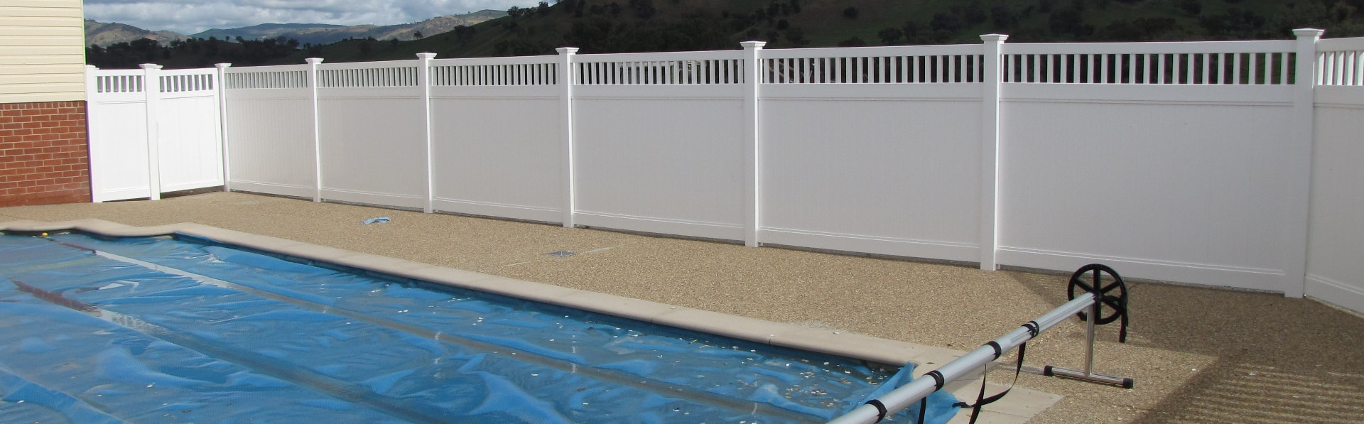 Picture of: Pool And Safety Fencing Big Country Pvc Fencing Australian Owned