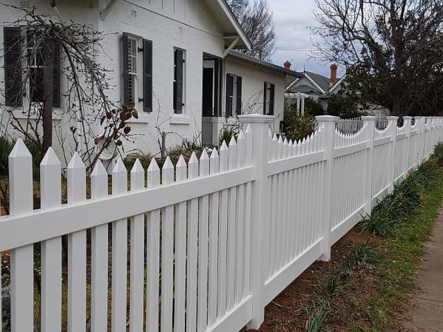 Big Country PVC Fencing project portfolio classic scallop picket fencing