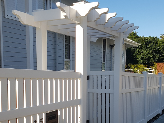 Big Country PVC Fencing arbour and custom classic settler fence 1500mm